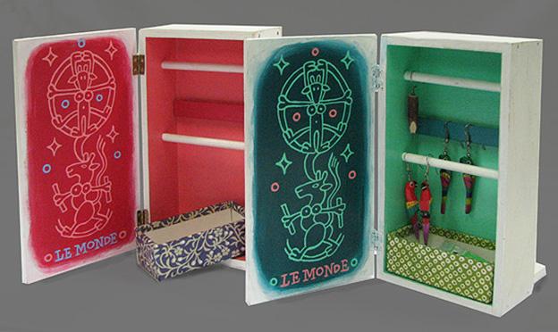 Le Monde, accessory box 2013, 10x17x6cm